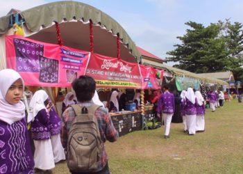 Bazar Kelompok Usaha Siswa diadakan untuk menumbuhkan jiwa kewirausahaan siswa. Foto - Dema