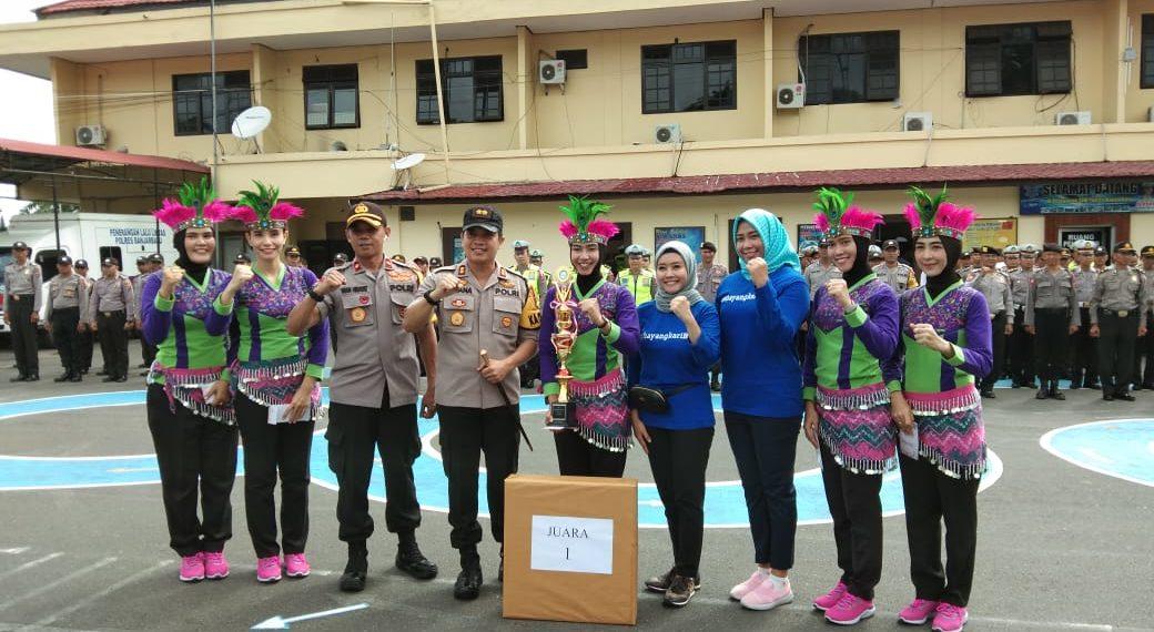 Bhayangkari Banjarbaru menjuarai Lomba Senam Three Ends yang diadakan oleh GOW Banjarbaru. Foto - Dema