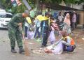Photo : Net/ Seluruh Kalangan Masyarakat dan TNI terjun bersihkan sampah pasca Haul Ke 13 Abah Guru Sekumpul