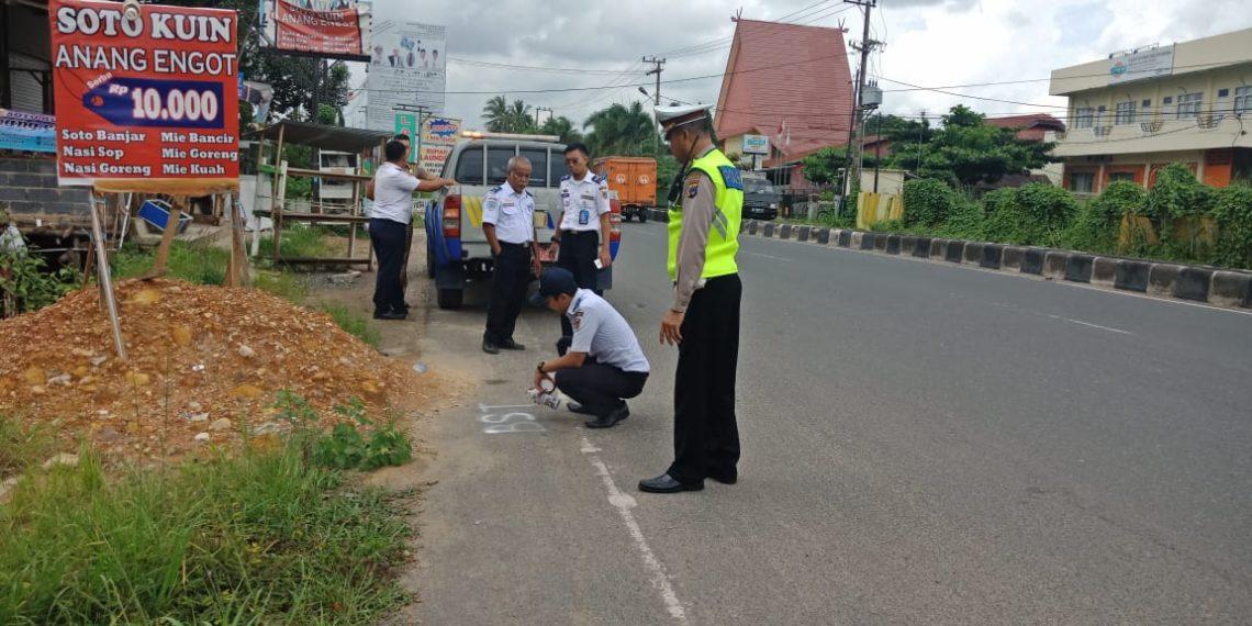 Survey jalan dan penentuan titik untuk penempatan halte MRT Banjarbakula. Foto - ist