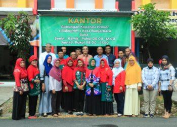 Rapat anggota tahunan menyiratkan bahwa kekuatan utama pada organisasi koperasi adalah pada anggotanya. Foto : upk - hms bjb